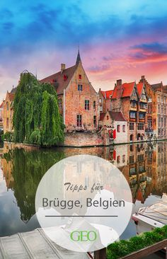 """At the latest after the crime film """"See Bruges … and die?"""" The city offers fairytale backdrops, a colorful network of canals and bridges as well as impressive buildings from the Middle Ages. Vacation Pictures, Travel Pictures, Journey Pictures, Reisen In Europa, Wonderful Picture, Island Resort, Types Of Cameras, Travel Images, Photos Du"""