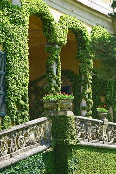ALL ABOUT HONEYMOONS & DESTINATION WEDDINGS   Join our Facebook page!  https://www.facebook.com/AAHsf   Lake Como Italy