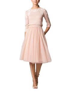 Cute outfit for a winter bridal shower Casual Bridesmaid, Bridesmaid Skirts, Bridesmaid Dresses Online, Sexy Dresses, Cute Dresses, Short Dresses, Dress Me Up, Dress Skirt, Tulle Wedding Skirt