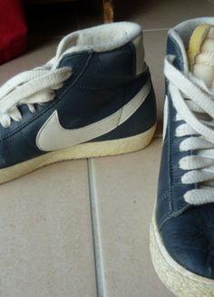 À vendre sur #vintedfrance ! http://www.vinted.fr/chaussures-femmes/baskets/28620984-nike-tennis-en-cuir-t375-bleu-marine