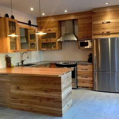 Making the house looks fresh and attractive is the desire of every one. For this we use different DIY ideas. The most useful among all the other reasonable DIY projects is the wood pallet ideas. Modern Kitchen Design, Interior Design Kitchen, Home Decor Kitchen, Home Kitchens, Kitchen Ideas, Pallet Kitchen Cabinets, Wooden Pallet Furniture, Küchen Design, Kitchen Remodel