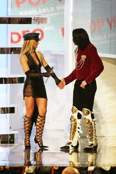 Michael and Britney Spears at the 2002 MTV Video Music Awards at Radio City Music Hall in New York City, August 29, 2002 | Curiosities and Facts about Michael Jackson ღ by ⊰@carlamartinsmj⊱