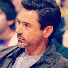 Robert Downey Jr. - Iron Man - Avengers - Sherlock Holmes