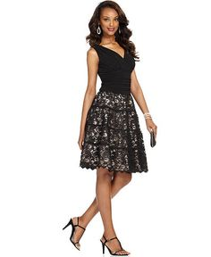 SL Fashions Dress, Sleeveless Ruched Lace A-Line