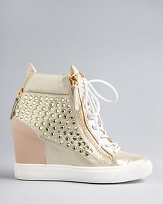 I can rock this shoe with anything~Giuseppe Zanotti Wedge Sneaker Booties - Lorenz Sneakers Mode, Wedge Sneakers, Wedge Boots, Heeled Boots, Shoe Boots, Pretty Shoes, Cute Shoes, Me Too Shoes, Dream Shoes