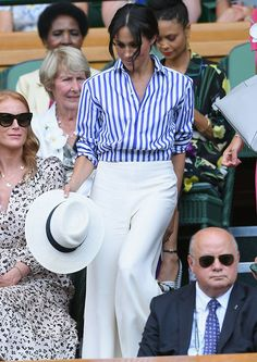 Emma Watson, Meghan Markle, and Other Celebs Showed Up at Wimbledon in Style Blue Striped Shirt Outfit, Outfits With Striped Shirts, Blue And White Striped Shirt, Outfits With Hats, Style Emma Watson, Emma Watson Estilo, Estilo Meghan Markle, Meghan Markle Stil, Ralph Lauren Looks
