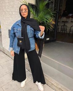 130 stylish street style looks for exceptional eid outfit ideas – page 1 Modern Hijab Fashion, Street Hijab Fashion, Hijab Fashion Inspiration, Muslim Fashion, Modest Fashion, Korean Fashion, Casual Hijab Outfit, Hijab Chic, Casual Outfits