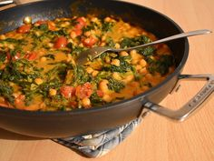 Quick spinach chickpea dish - Indian style, delicious, creamy, vegan and made very quickly. Cauliflower Dishes, Roasted Cauliflower, Calories In Vegetables, Veggies, Spinach Health Benefits, Turkish Recipes, Ethnic Recipes, Food Inspiration, Tapas