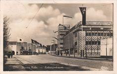 Zeitungstrasse auf der Pressa, Köln (The Newspaper Street at the Pressa Exhibition, Cologne), 1927-28