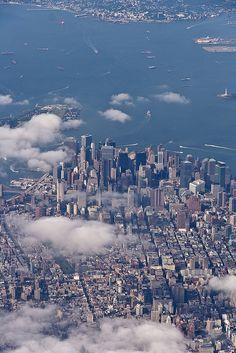 NYC. Bird's-eye view of Manhattan, before the new One World Trade Center
