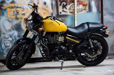 modified_royalenfield_thunderbird_black_yellow_paint