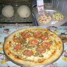 - Aprenda a preparar essa maravilhosa receita de Massa de Pizza Profissional Mini Pizzas, Solo Pizza, Quiches, Pizza Recipes, Cooking Recipes, Comida Pizza, Indian Food Recipes, Ethnic Recipes, Healthy Smoothies