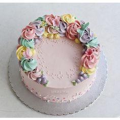 6,941 vind-ik-leuks, 28 reacties - @lulukaylacupcake op Instagram: '#cake #cakeshop #cakes #cakejakarta #cupcake #cupcakejakarta #cafejakarta  #lulukaylacupcake…'