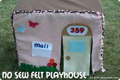 Maison de petites poupées en feutrine