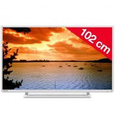 Le téléviseur40L2434DG de Toshiba bénéficie d'un rétroéclairage de type Direct LED pour des noirs contrastés et des couleurs lumineuses et intenses. Et un cadre ultrafin propice à une pose murale (norme VESA compatible : 200 x 200).Affichant une résolution HDTV 1080p, l'écran40 L2434DG bénéficie d'un taux de rafraîchissement amélioré de 200Hz AMR (Active Motion Rate). Résultat : les images sont nettes et précises, même dans les scènes d'action les plus mouvementées. Associé à son filtre en…