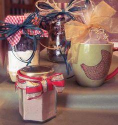 Mason Jar Gift Ideas: cocoa steamer instant hot cocoa mix in a jar Mason Jar Meals, Mason Jar Gifts, Meals In A Jar, Mason Jars, Frugal Christmas, Homemade Christmas, Christmas Gifts, Holiday Gifts, Christmas Ideas