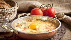 Ako správne urobiť omeletu + 3 RECEPTY z vajíčok. Ale, Eggs, Breakfast, Ethnic Recipes, Food, Morning Coffee, Meal, Ale Beer, Egg