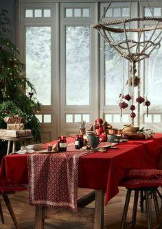Des boules de Noël traditionnelles