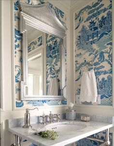 Chinoiserie Chic: Blue and White
