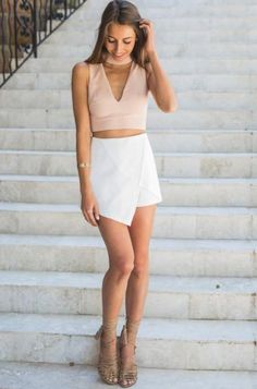21 Beautiful Outfits With White Skirts White Skirt Outfits, White Skirts, Skort Outfit, Golf Outfit, Outfit Elegantes, Summer Outfits, Cute Outfits, Girl Outfits, Golf Skirts