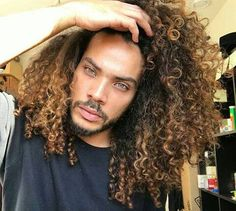 by Pelo Afro Black Men Hairstyles, Afro Hairstyles, Haircuts For Men, Hair Men Style, Curly Hair Styles, Natural Hair Styles, Pelo Natural, Hair Goals, Hair Inspiration