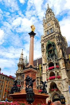 Munich, Germany. Marienplatz with the townhouse.