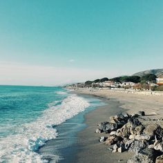 Sweet waves. Goodmorning #unangeloinviaggio  Edit with @vscoG3  #buongiorno #goodmorning #calabria #volgoitalia #volgocalabria #volgocosenza #likes_calabria #likes_cosenza #calabriadaamare #calabria360 #beautiful #bestoftheday #amazing #awesome #photoofday #photo #followme #seguitemi #sud  #verso_sud #waves #nature #landscape #vsco #vscocam #vscoitaly #vscogood #vscolandscape