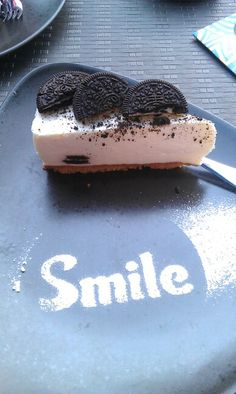 Oreo Cheesecake ! Oreo Cheesecake, Goodies, Desserts, Food, Sweet Like Candy, Tailgate Desserts, Deserts, Gummi Candy, Essen