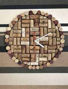 Explode the containers of mauve, but save your corks to create majority of these exciting grape cork crafting. Natural - Decorations, Home Decor in Oakville, Wall Decor Recycled cork wall art and handmade cork decorations. Wine Craft, Wine Cork Crafts, Wine Bottle Crafts, Diy Cork, Wine Cork Art, Wine Corks, Wine Cork Projects, Wall Clock Design, Unique Wall Clocks