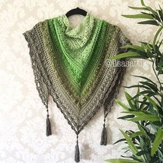 Project By @lisasattikThis crochet pattern is available as a free download... Download Pattern:Lost in Time Shawl