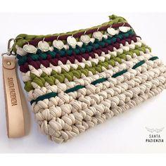 Ya tienes en el blog el patrón para tejer este Clutch Boho. Buen finde…