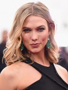 Karlie Kloss Victoria's Secret Angel YouTube Channel Debuts; Taylor Swifts BFF's Klossy YouTube Channel Potentially More Viral-Ready Than Instagram? [VIDEO] - http://imkpop.com/karlie-kloss-victorias-secret-angel-youtube-channel-debuts-taylor-swifts-bffs-klossy-youtube-channel-potentially-more-viral-ready-than-instagram-video/