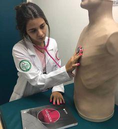 Medical Students, Medical School, Nursing Students, Foto Doctor, Nursing Goals, Nurse Aesthetic, Medical Wallpaper, Medicine Student, Med Student