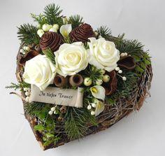 Christmas Diy, Christmas Wreaths, Calla, Table Decorations, Home Decor, All Saints Day, Decorating, Dekoration, Decoration Home