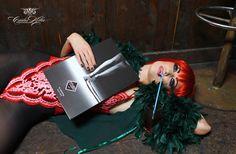 PRIVATE ARRANGEMENTS | PART 1 // Die erste Publikation von Carlos Kella aus dem Jahre 2007. // Nur noch wenige Sammlerstücke auf Lager! Fotos: www.carloskella.de // Format: 24 x 34 cm // Abbildungen: 150 s/w-Fotos // Einband: kartoniert, aussen glanzfolienkaschiert // Umfang: 112 Seiten // ISBN: 978-3-9811663-0-9 Preis: EUR 29,90 (inklusive MwSt., zuzügl. Versandkosten) >> Jetzt bei SWAY Books bestellen: http://www.sway-books.de/buecher.html Thanks to Clea Cutthroat & Sven Petersen