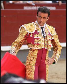 Enrique Ponce - Le vi cortar dos orejas y salir por la puerta del Príncipe en la Maestranza....