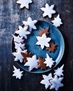 Lebkuchen is a traditional German Christmas recipe. These spice-laden star biscuits are full of festive flavours and undeniably moreish. German Christmas Food, Christmas Baking, Christmas Time, Christmas Stuff, Christmas Biscuits, Christmas Treats, Christmas Cookies, Christmas Recipes, German Biscuits
