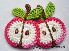 Crochet Apple Appliqué - inspiration only Crochet Fruit, Crochet Food, Love Crochet, Crochet Motif, Beautiful Crochet, Crochet Kitchen, Crochet Designs, Crochet Crafts, Crochet Yarn