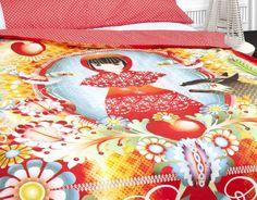 FUNDA NÓRDICA CAPERUCITA ROJA DE CATALINA ESTRADA Red Bedding, Linen Bedding, Bed Linen, Textiles, Little Red, Room Colors, Cool Kids, Home Goods, Baby Rooms