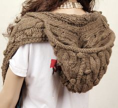 Hat hooded scarf...need this too, of course :o)