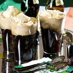 Irish dry stout and vanilla ice cream are a match made in Heaven ... and the makings of a very happy St. Patrick's Day!