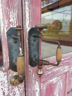 Old hand drills used as door pulls! Seen at Danna's BBQ in Branson West, Mi - Old hand drills used as door pulls! Seen at Danna's BBQ in Branson West, Mi - Knobs And Knockers, Knobs And Handles, Door Handles, Knife Handles, Door Pulls, Door Knobs, Drawer Pulls, Industrial Design Furniture, The Doors