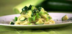Tagliatelle mit Zucchini in Kokos-Limetten-Soße