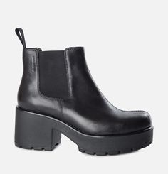 Vagabond - DIOON. Easily   recognisable because of the chunky platform outsole, Dioon is one of our core   groups. And one of the most well-loved of them all is the chelsea boot,   crafted from smooth black leather.