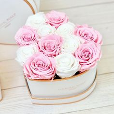 Because you love this one #theroyalrosesgermany #rosebox #infinityroses #arrangement #beautiful #homedecor #inlove Venus Roses, Love Heart Emoji, Candy Flowers, Flower Packaging, Valentines Flowers, Flower Boxes, Beautiful Roses, Gift Baskets, Pink Roses