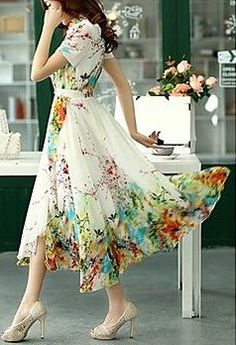 Floral Print Pleated Midi Dress ==
