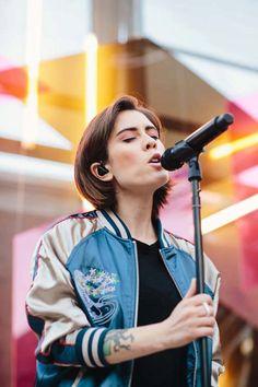 UO Pride: Tegan and Sara Live at Space 15 Twenty - Urban Outfitters - Blog