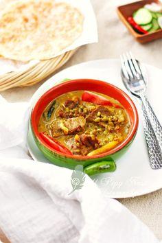 Gule Kambing Kacang Hijau (Indonesian Goat Mung Bean Curry)