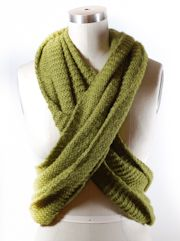 Infinity Scarf Twist-lots of scarf ideas on the site