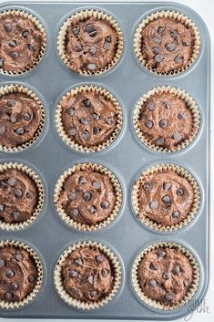 Low Carb Double Chocolate Protein Muffins Recipe - These low carb double chocolate protein muffins are easy to make, moist & delicious. This healthy protein muffin recipe needs just 10 minutes prep time! High Protein Muffins, Chocolate Protein Muffins, Chocolate Peanut Butter Smoothie, Low Carb Protein, Protein Packed Breakfast, Healthy Protein, Breakfast Recipes, Healthy Recipe Videos, Easy Recipes